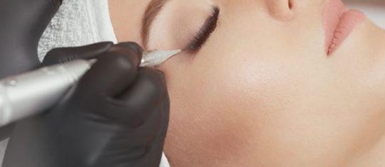 Maquillage permanent et dermopigmentation